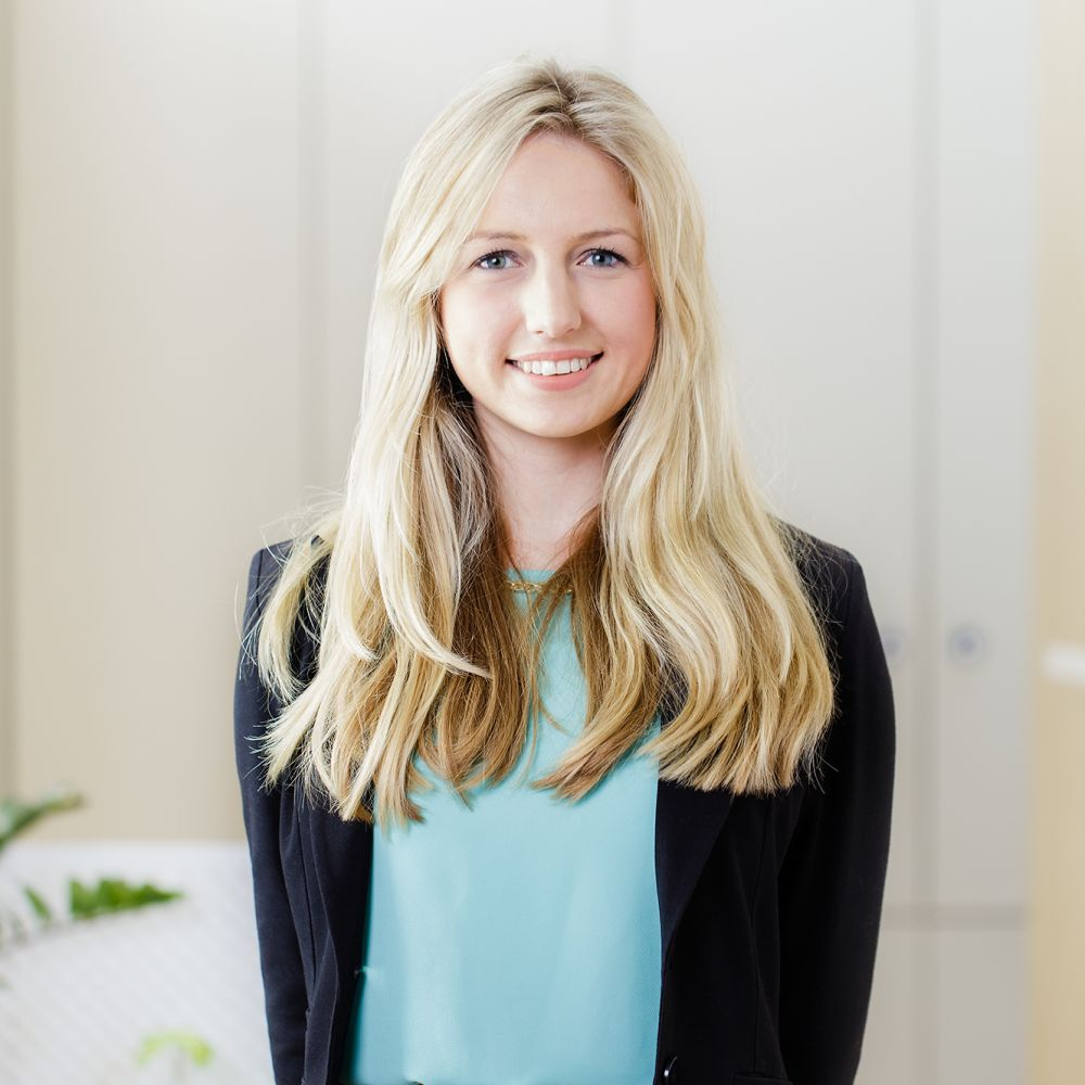Candice Van Riet